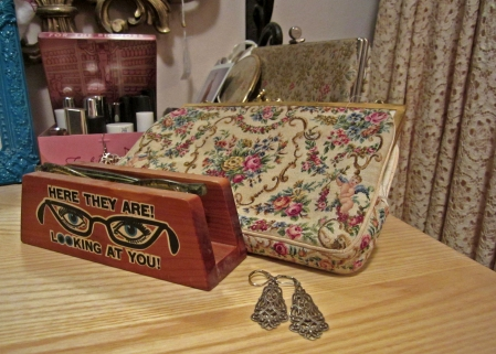 a purse and a set of earrings i nabbed at the vintage clothing fair back in 2006.