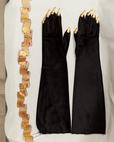 gloves by elsa schiaparelli