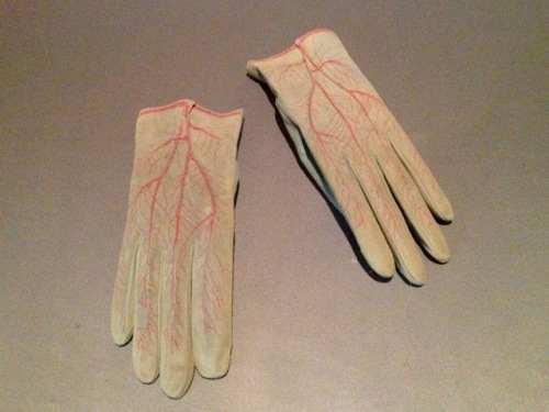 Meret Oppenheim Glove (1985) Silk-screen and handstitching on goat suede